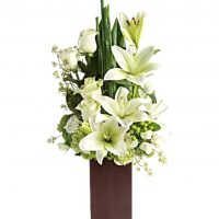 White lilies with roses